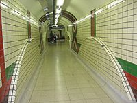 London Piccadilly circus tunel
