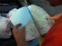 prstem po mapě