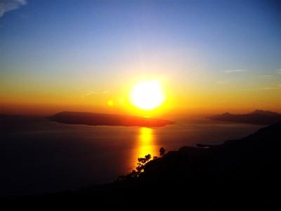 Západ slunce nad ostrovem Brač Chorvatsko