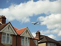 Heathrow plane landing